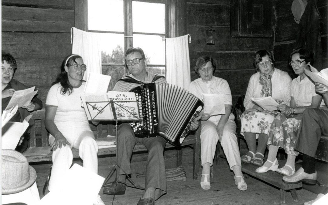 Yhteislaulua kotiseutumuseolla