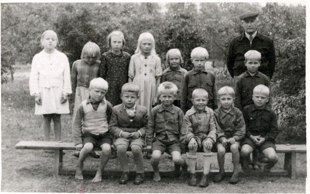 Pihkasalmen koulun luokkakuva v. 1947
