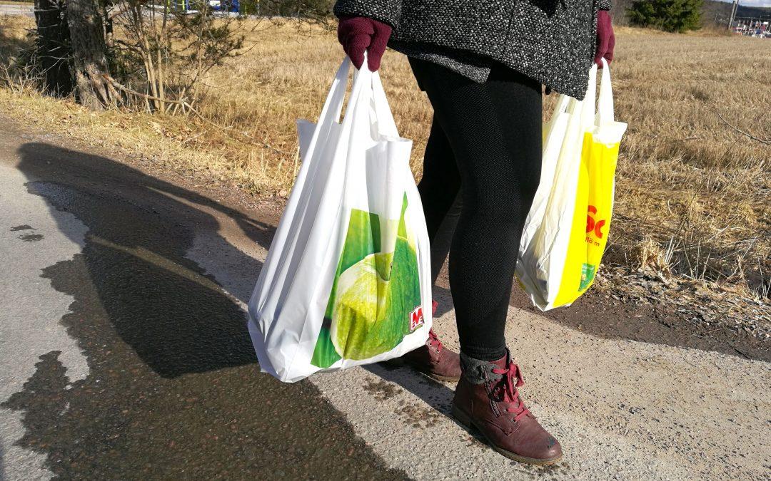 Hämeenkoskella tuodaan ostokset nyt kotiovelle