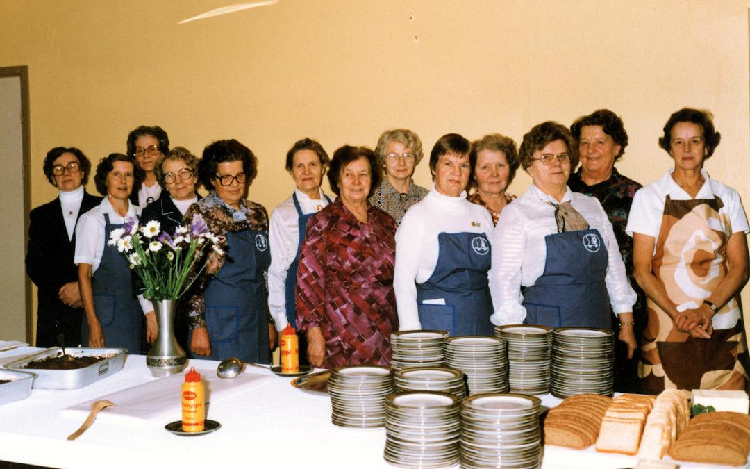 Kosken Hl sotaveteraanien naisten pitopöytä Seuralassa